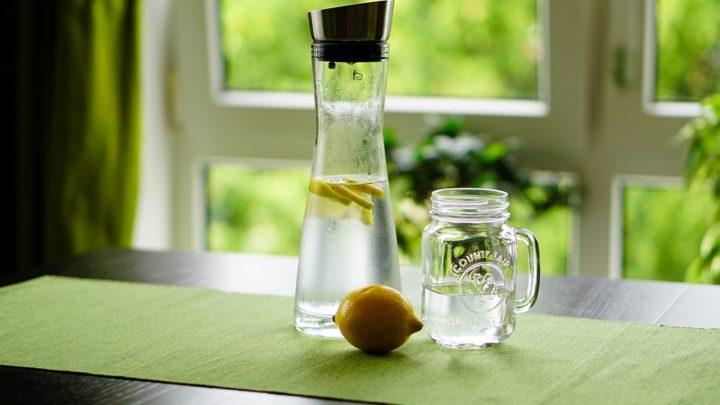 13 способов улучшить своё здоровье при помощи сока обычного лимона