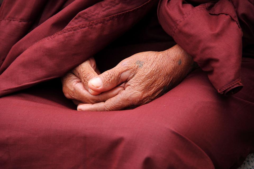 Оригинальный совет монаха женщине, которой муж изменил