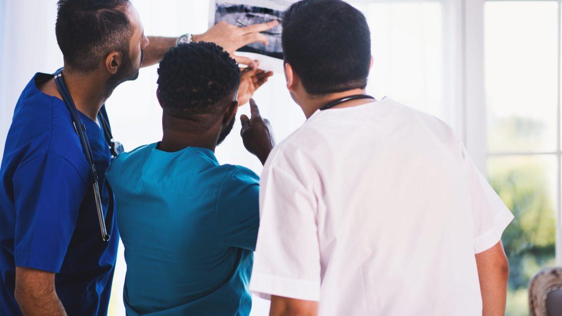 Смешной разговор двух пациентов перед операций