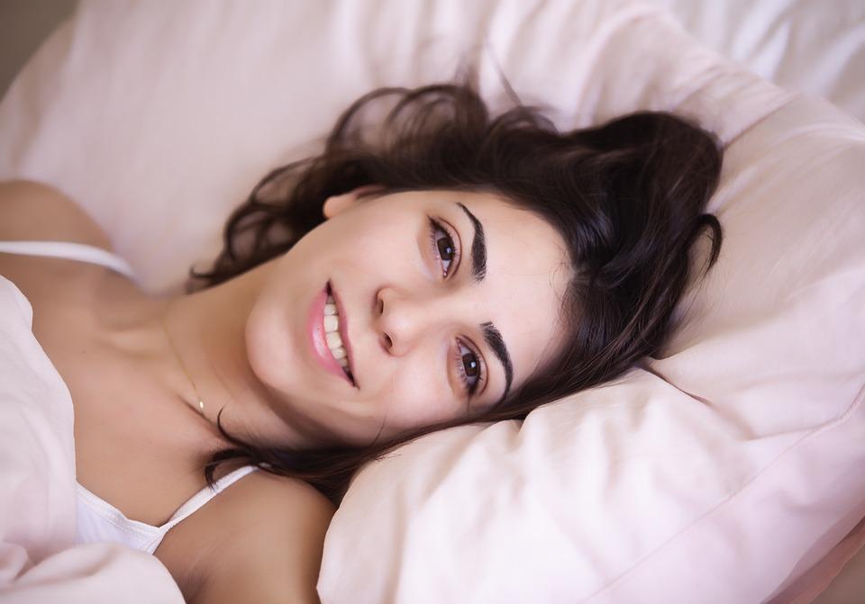 История о том, как жена нашла в кровати чужой длинный волос